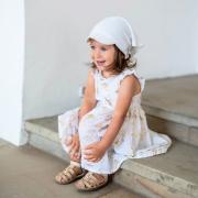 Ciepła chusta z daszkiem dla niemowlaka szara w gwiazdki