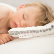 Pompom bamboo baby pillow Paradise feathers