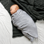 Bamboo muslin swaddle Heavenly feathers