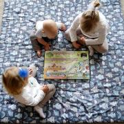 Playing mat 150x150 Dragons blue