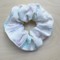 Bamboo scrunchie Paradise feathers