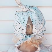 Chusteczka muślinowa z daszkiem wiązana - błękit
