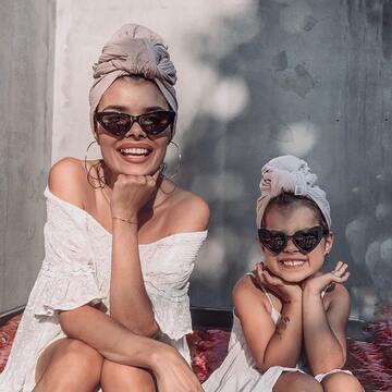 Takie boskie turbany wyczarowała @monikagrelamlodawska z naszych chust muślinowych w wersji mama & córka 😍 Wyglądają OBŁĘDNIE!  . Lubicie takie same stylizacje u mam i córeczek? A może stawiacie na odrębność?  . . . #maylily_pl #babyroom #newbielovers #brzuchatka #lato #dzieci #kidslife #milosc #babyproducts #mychildren #dladzieci #summeressentials #wyprawka #parentsbelike #forchildren #formom #wakacje2021 #ootdbaby #dladziecka #maluszek #instadziecko #modnamama #lovelytime #babyofinstagram  #rodzicielstwo #ig_motherhood #rodzicielstwo #dziecko #headwear #headwearaccessories